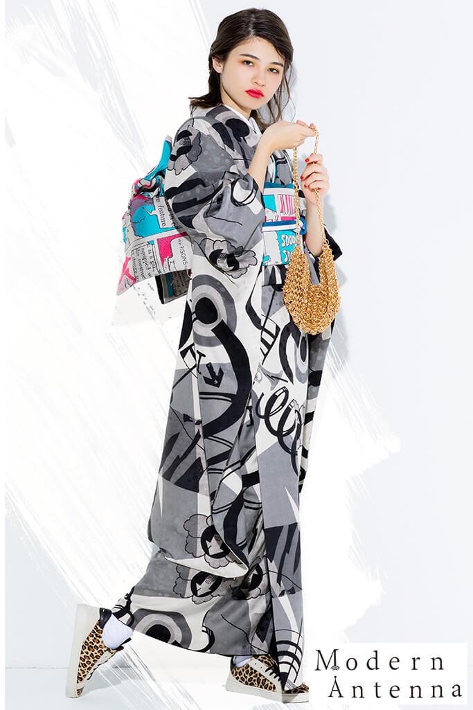 【成人式振袖/レンタルフルセット/通販可】新作個性的レトロ振袖(モダンアンテナ音符柄) 黒/グレー/クリーム K0168