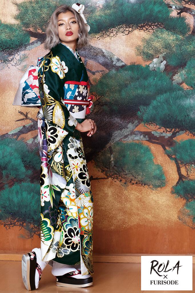 【成人式人気振袖/レンタルフルセット/通販可】ローラ華やか目立つ古典(かわいいモダン) 白/黒/グリーン(緑色) K0180